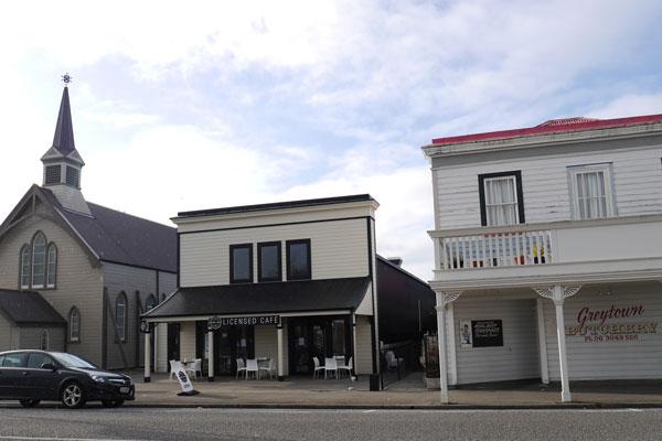 #18 Local pub, coffee shop or tea house